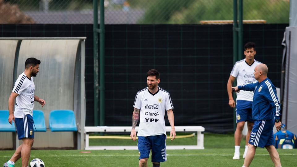 Lionel Messi of Argentina takes part in a training session as part of the team preparation for FIFA World Cup Russia 2018 at FC Barcelona sports centre. (Getty Images)