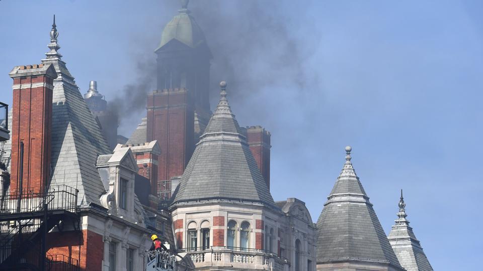London fire,london hotel fire,Firefighter