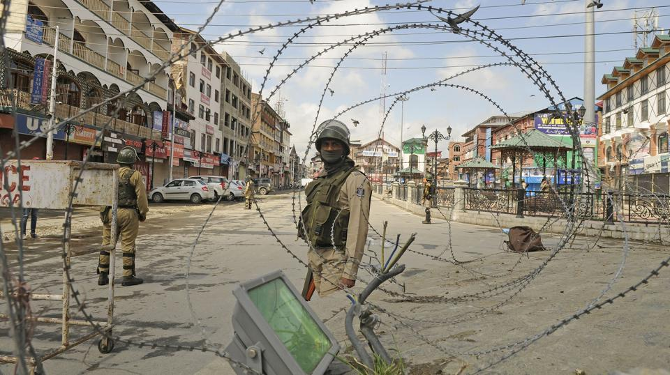 Two soldiers were injured in a militant attack close to the Line of Control (LoC) in Jammu and Kashmir's Kupwara sector on Thursday. Officials said the militants attacked an army patrol near the LoC fencing in Keran sector. The attack comes on a day when Union home minister Rajnath Singh began his two-day visit to the state to review the security situation. (Waseem Andrabi / HT Photo)