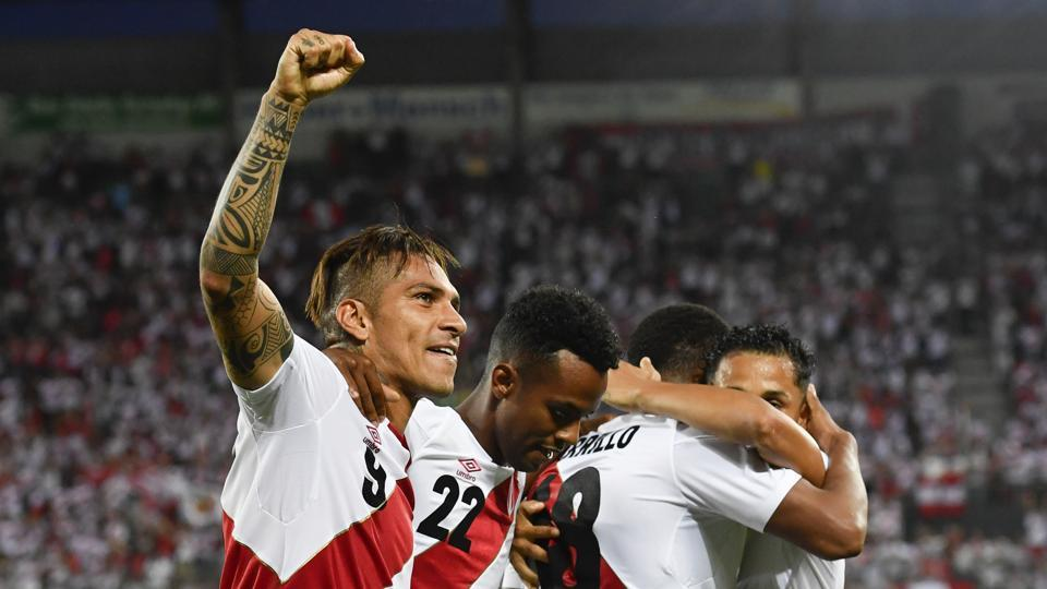Peru's Paolo Guerrero (L) will be crucial to the team's hopes at the 2018 FIFA World Cup.