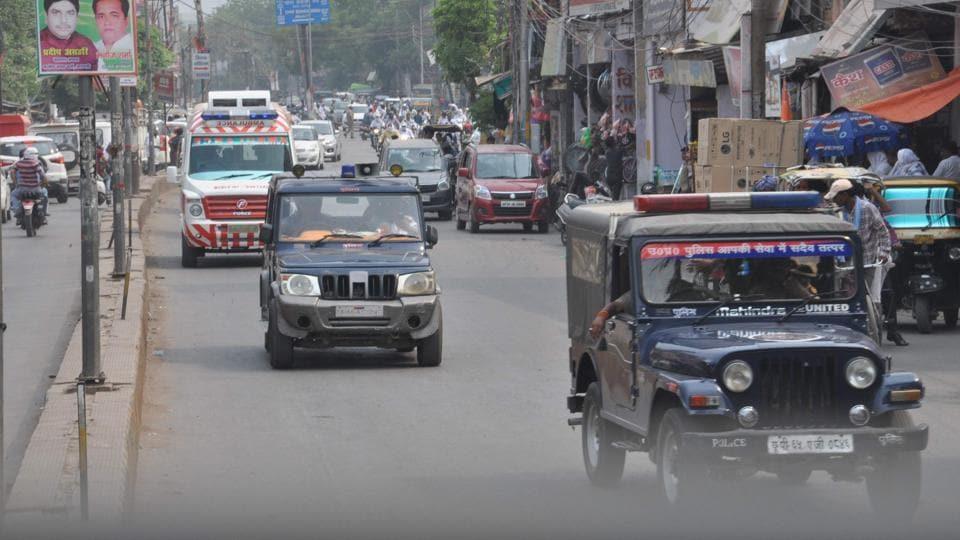 The police created green corridor between trauma centre, BHU and Lal Bahadur Shastri International Airport, Varanasi.