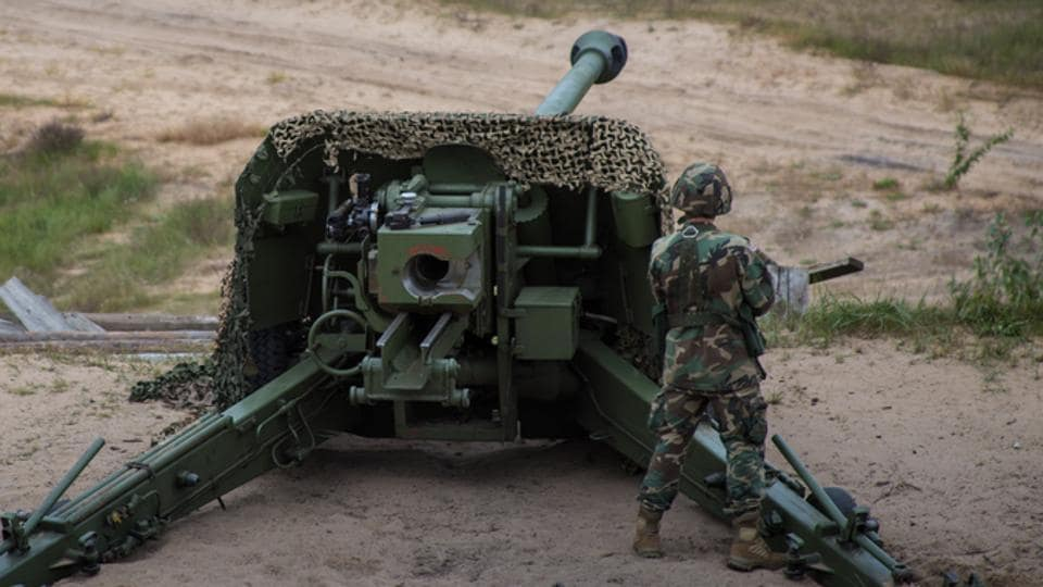 """Dhanush is a 155mm x 45mm calibre artillery gun and is also called the """"desi Bofors""""."""