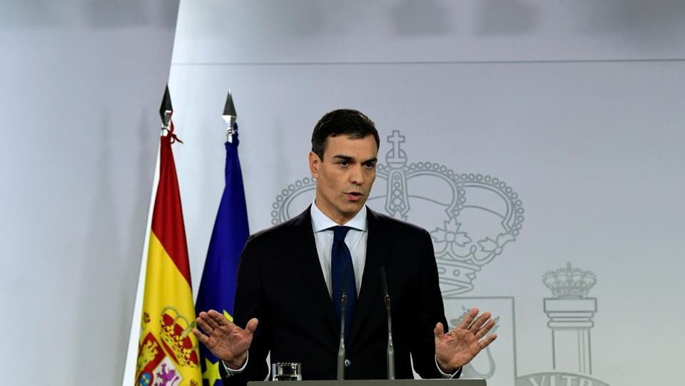 Prime Minister Pedro Sanchez announces his new cabinet at La Moncloa palace in Madrid on June 6. At almost 65%, Spain's executive has the biggest proportion of women than any other country in Europe. Sanchez has also re-established the equality ministry, created in 2004 by the previous Socialist government of Jose Luis Rodriguez Zapatero, who was beaten in 2011. (Javier Soriano / AFP)