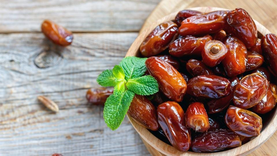 Are Dates Good For Diabetes Here S All About Its Nutrition Value