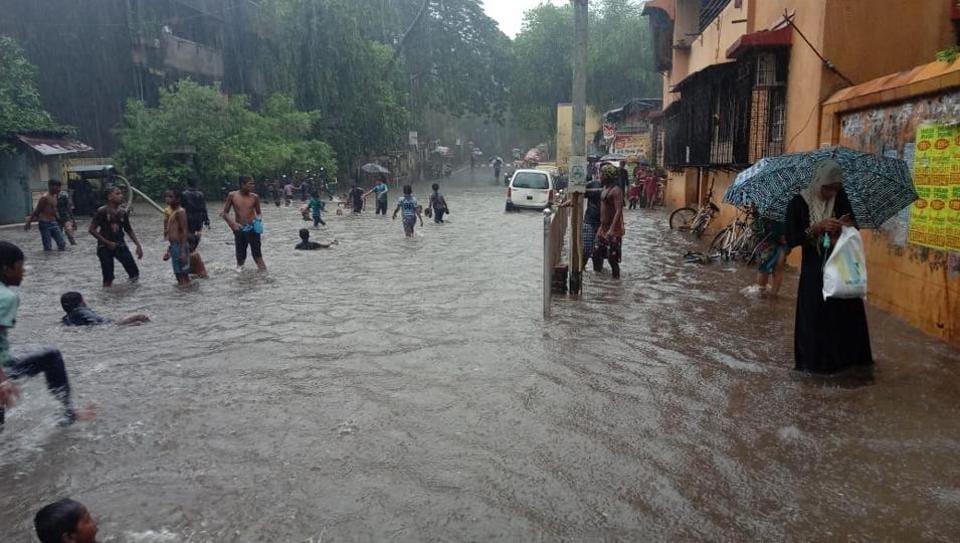 Monsoon in Mumbai,Monsoon arrives in Mumbai,mumbai weather
