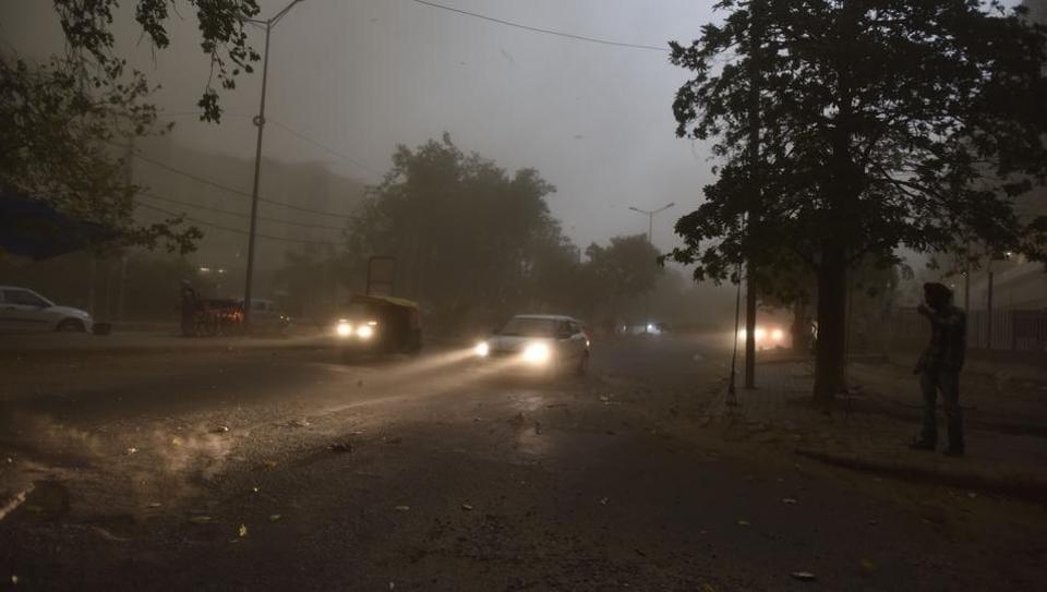 Delhi weather,Dust storm,Delhi