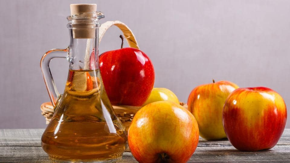 Benefits of apple cider vinegar: Apart from weight loss, taking it before your main meals will help reduce insulin levels.