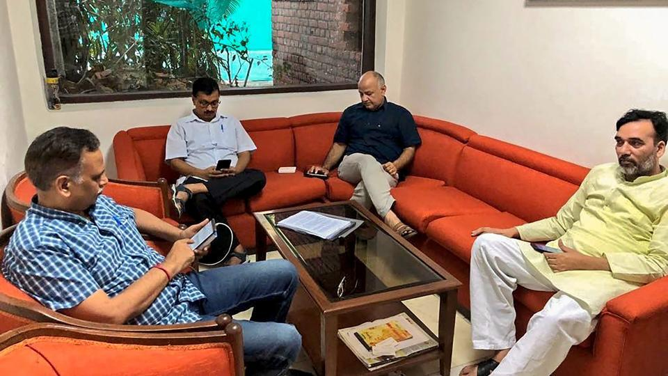 Delhi chief minister Arvind Kejriwal, deputy CM Manish Sisodia, Aam Aadmi Party (AAP) leaders Satyendra Kumar Jain and Gopal Rai during a sit-in protest at Lieutenant Governor Anil Baijal's residence, in New Delhi.