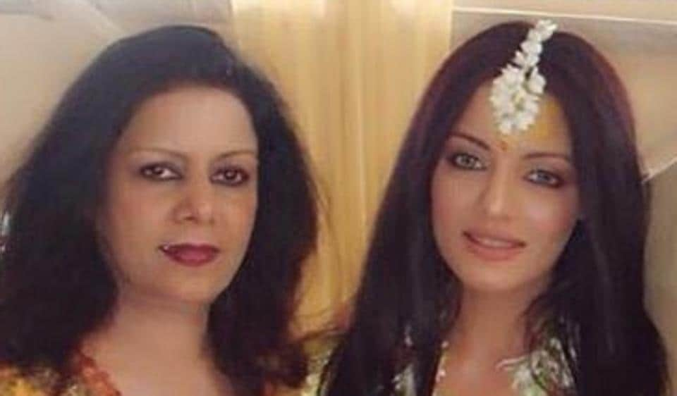 Celina Jaitly,Celina Jaitly's mom,Cancer