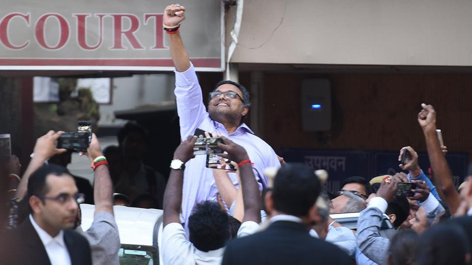 The Enforcement Directorate (ED) on Wednesday filed before a Delhi court a chargesheet against businessman Karti Chidambaram in the Aircel-Maxis case. ED, which fights financial crimes in India, is probing the circumstances involved in the approval given to the Malaysia-based Maxis group for investment in Indian telecom company, Aircel, in 2006. (Sanchit Khanna / HT File)
