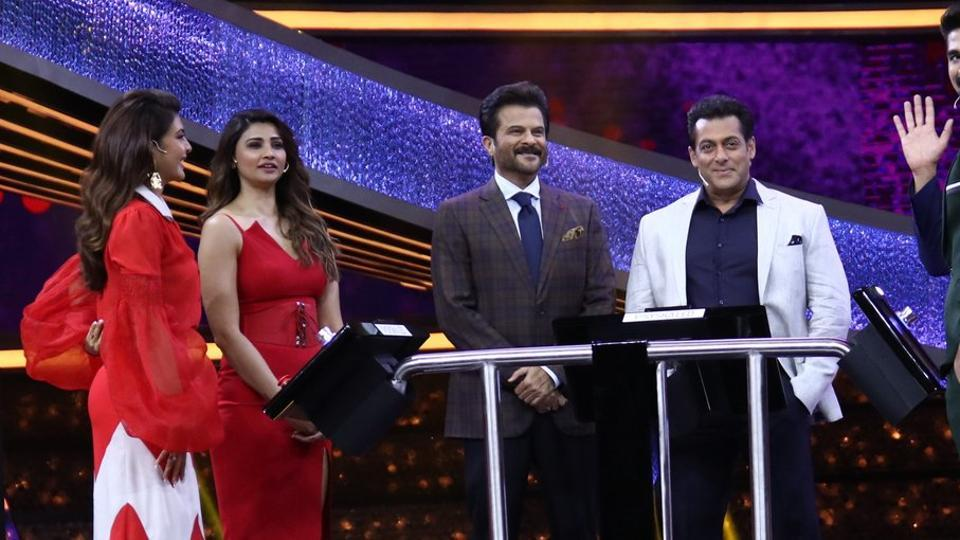 Salman Khan plays the host as his Race 3 co-stars participate in the game on Dus Ka Dum.