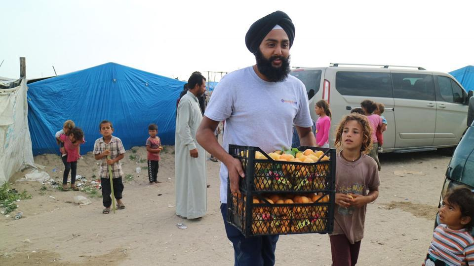Khalsa Aid is providing iftar meals to more than 5,000 refugees through their 'Ramzan Kitchen'.