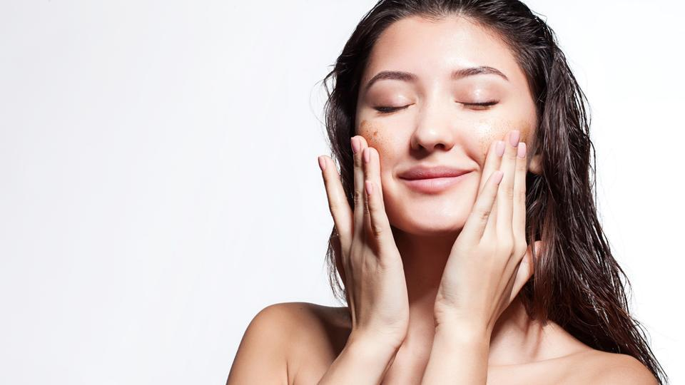 Beauty Tips Do These 12 Things To Keep Your Skin Glowing In Monsoon Hindustan Times