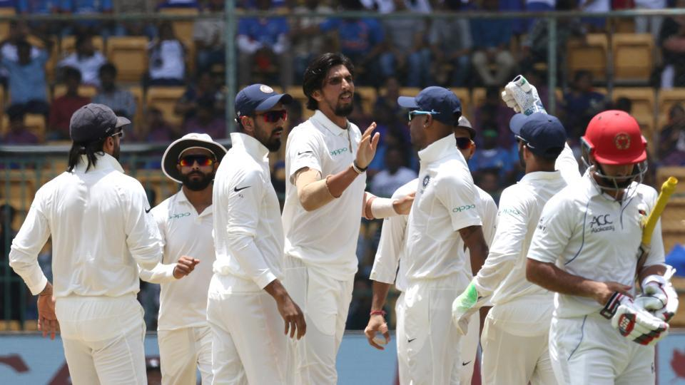 In reply, Afghanistan's batting collapsed against the bowling of the world's top Test side. They survived just 27.5 overs in the second session. Ishant Sharma took two wickets.  (BCCI )