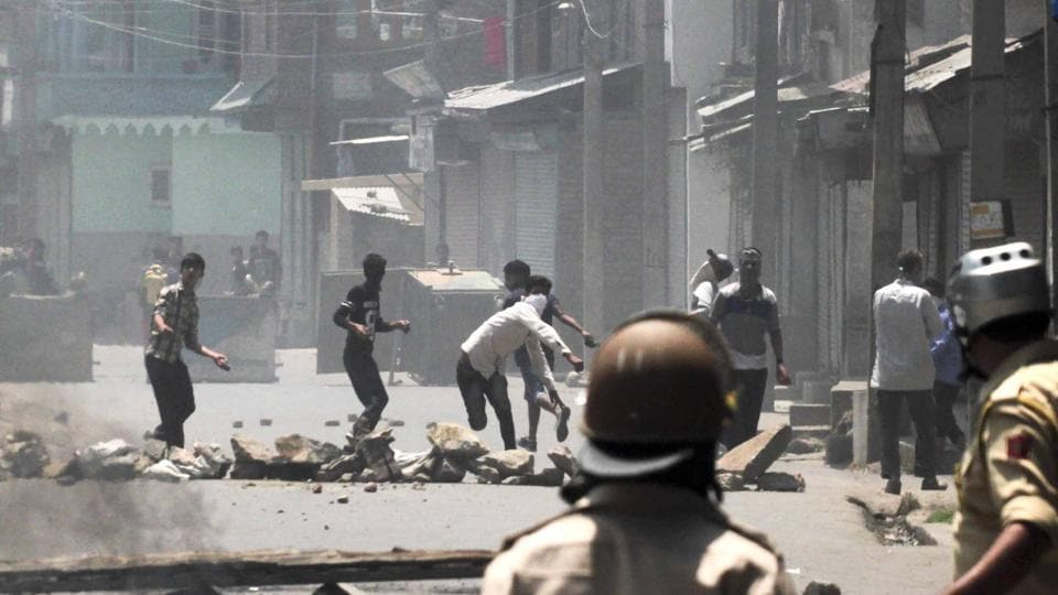 Teenager killed,Kashmir protests,Army firing