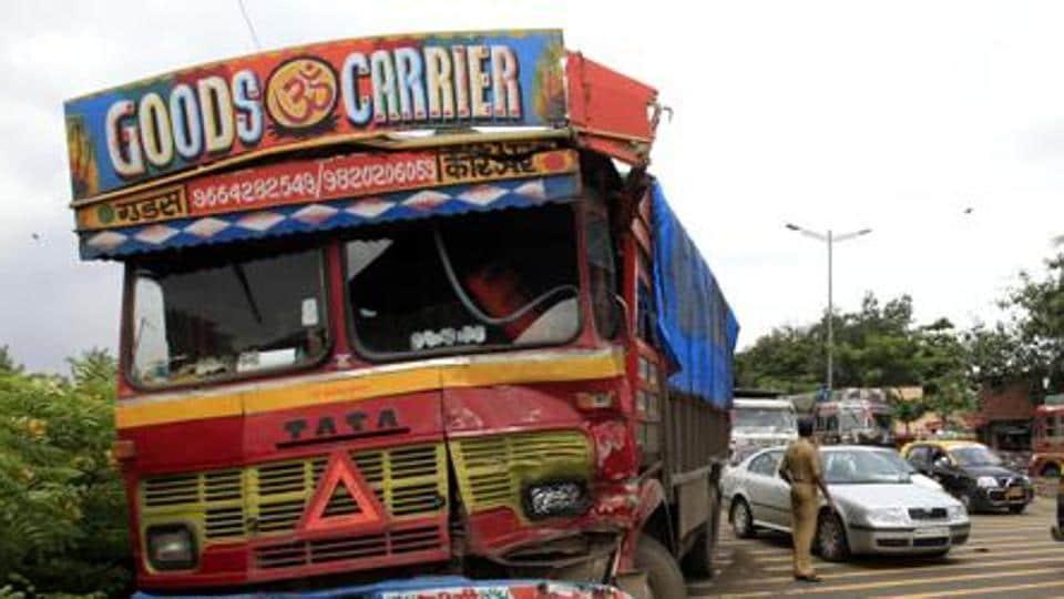 Uttar Pradesh,UP road accident,UP highway