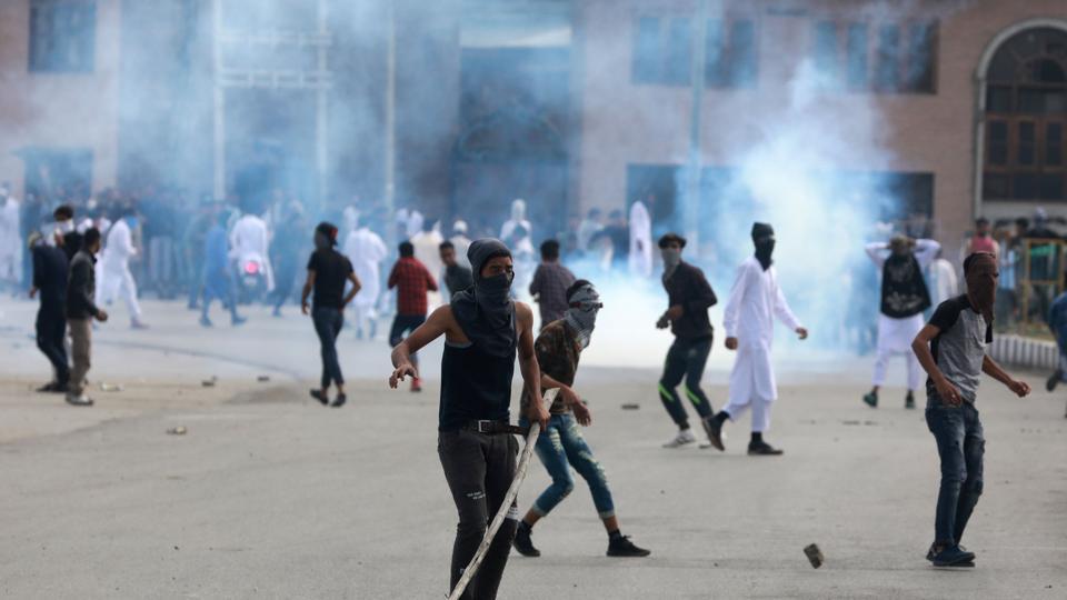 Kashmir clashes,Kashmir Eid clashes,Eid