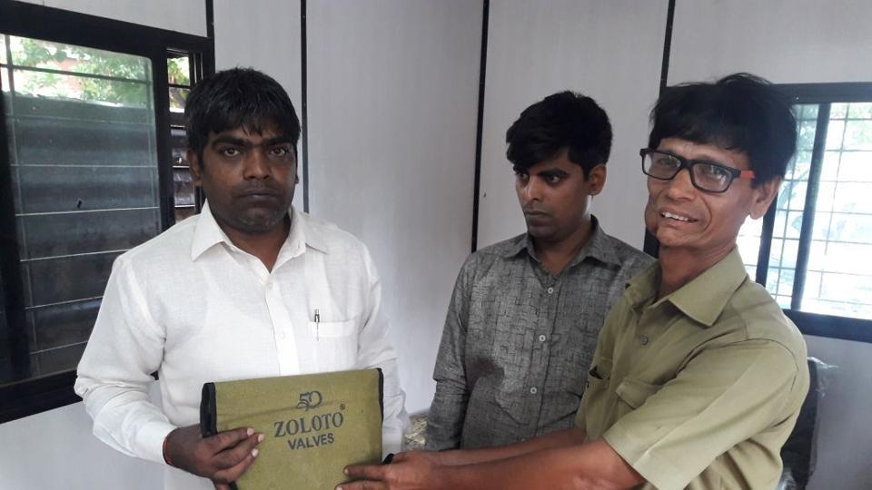 The rickshaw driver was felicitated for returning the money