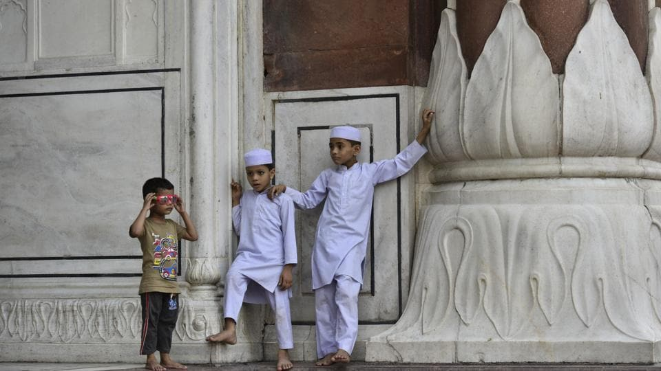 The festival brings a lot of joy and fun to children and they try to make most of it. Apart from wearing new clothes, playing with friends, they also get gifts and Eidi from parents and other relatives. (Anushree Fadnavis / HT Photo)