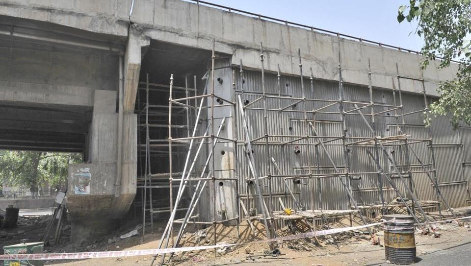 Gill flyover wall collapse,Ludhiana news,corruption