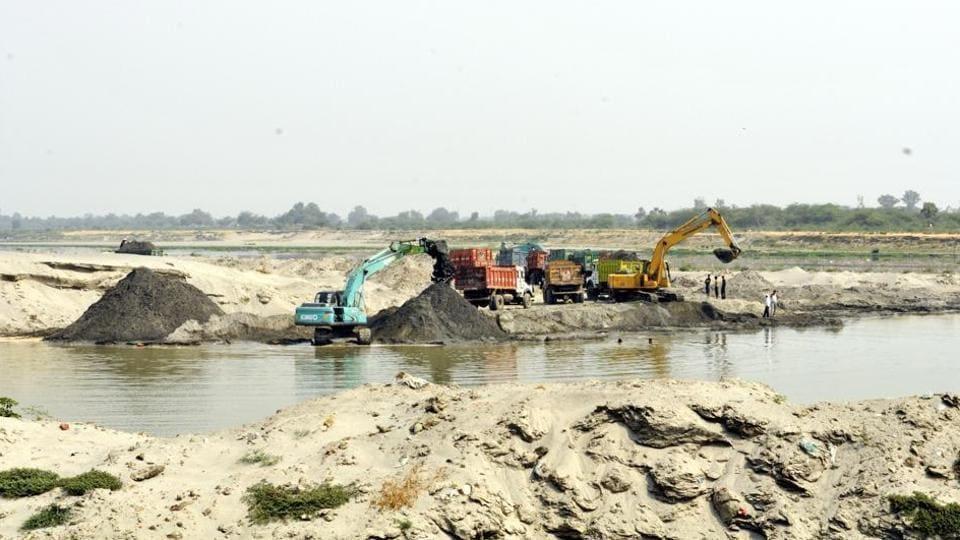 Illegal sand mining,Mohali,mining mafia