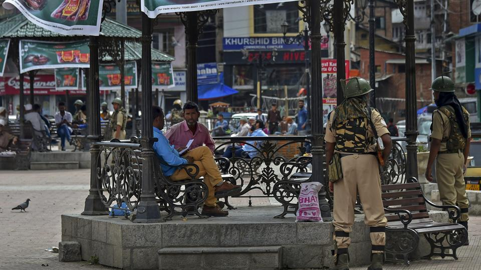 Security personnel stand guard at Lal Chowk in Srinagar, on June 19, 2018 – the day the BJP pulled out the jammu and Kashmir ruling alliance with Peoples Democratic Party (PDP).