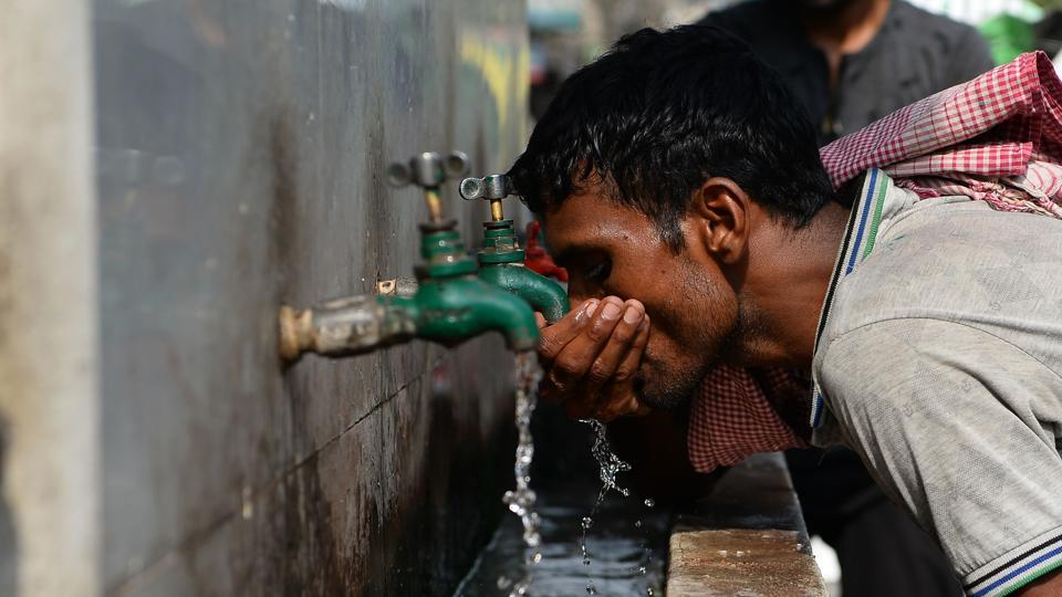 Currently, Delhi produces around 916 MGD (million gallons per day) of water, roughly 3.5 billion litres, out of which only around 80 MGD comes from groundwater.