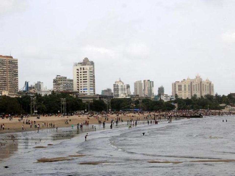 MUMBAI,girgaum chowpatty,soil erosion