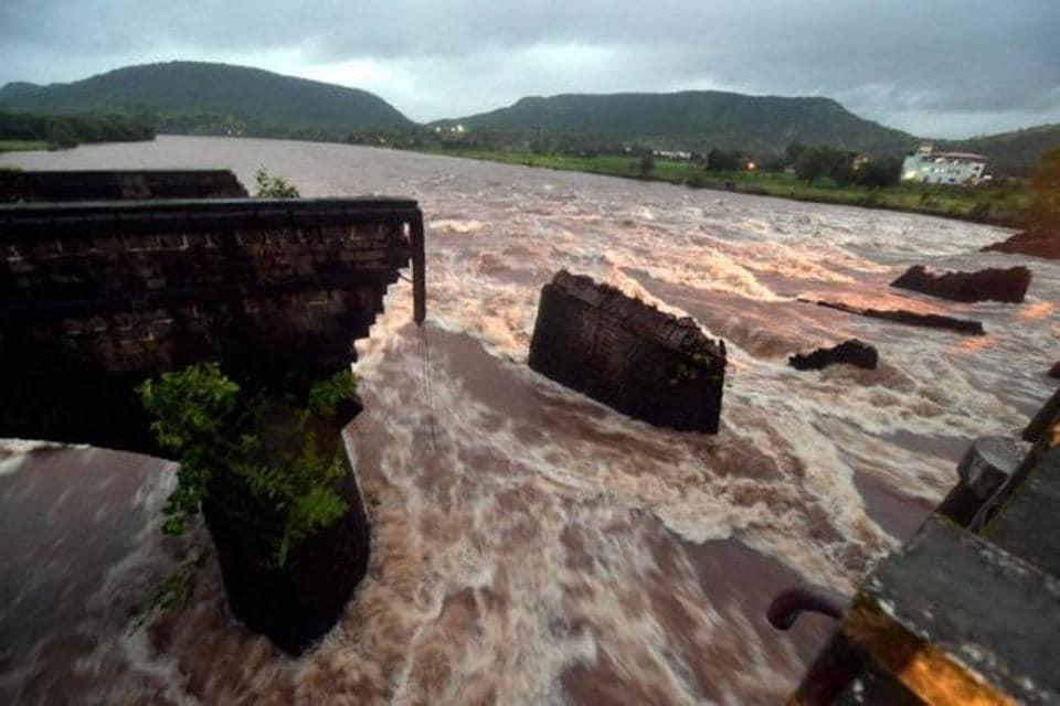 mumbai news,monsoon,British-era bridges