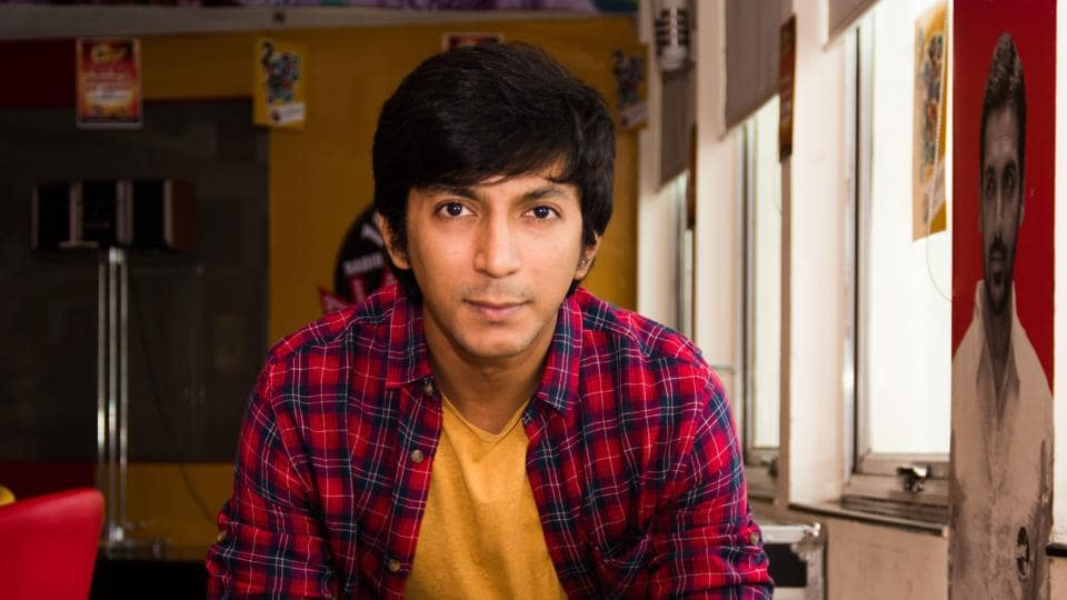 Actor Anshuman Jha makes it clear that it isn't as if he doesn't want to do 'commercial' kind of films.