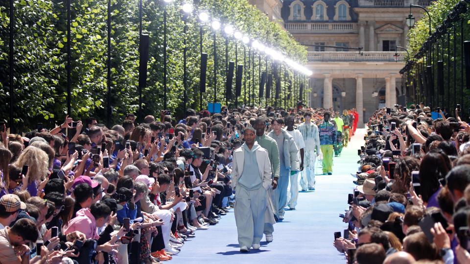 1d9ff02f23da Kanye West s muse designer Virgil Abloh debuts at Paris Fashion Week ...