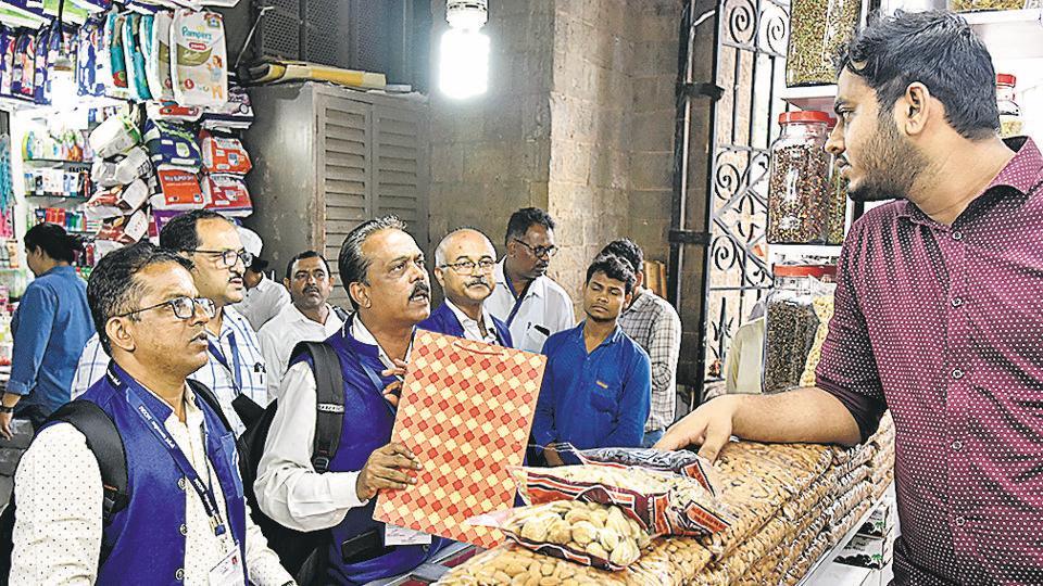 Mumbai,plastic ban,outlets