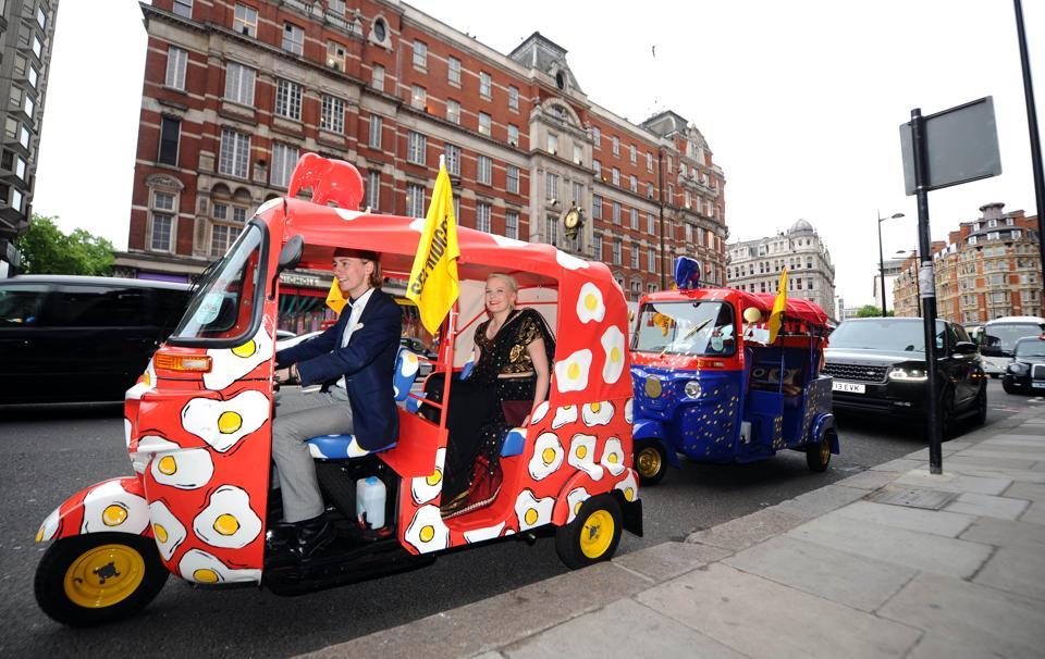 More towns in UK taking to auto-rickshaws | world news