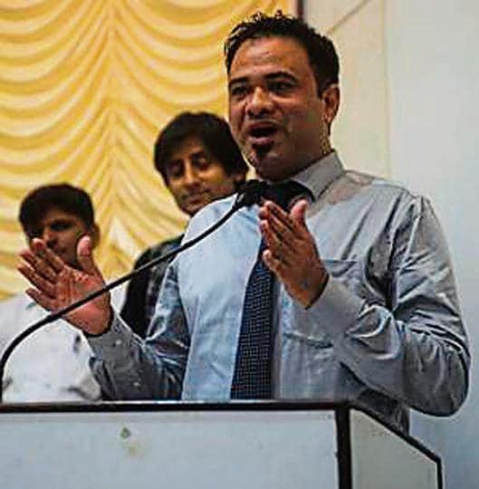 Gorakhpur infants' death,Dr Kafeel Khan,compensation