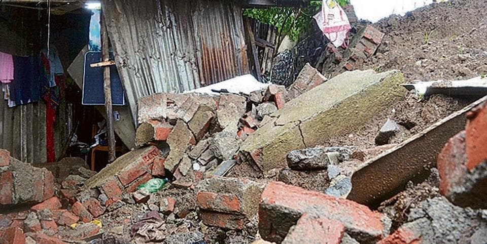 Mumbai monsoon,teen killed,Ulhasnagar