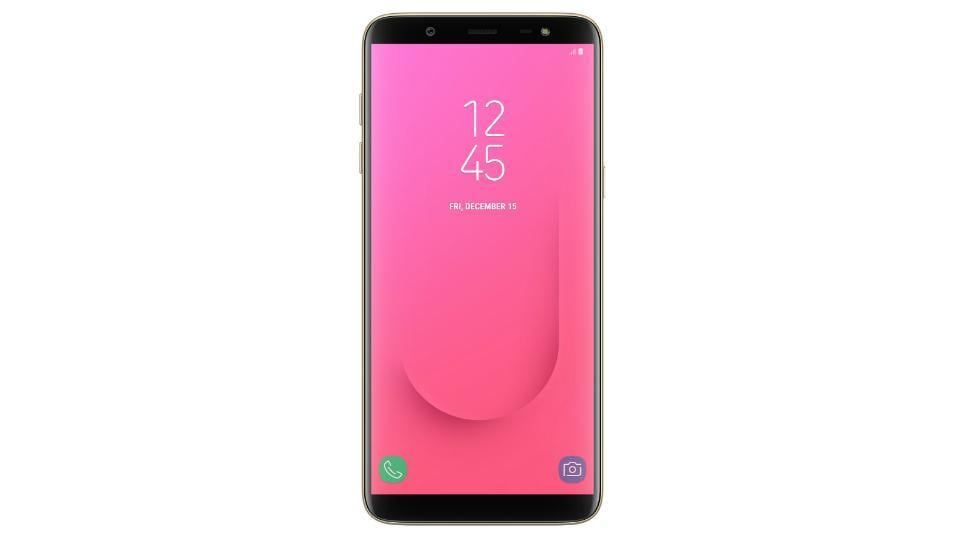Samsung Galaxy J8 features a 6-inch HD+ Super AMOLED Infinity Display.