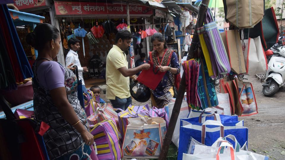 Pune,plastic ban,cloth and paper bags