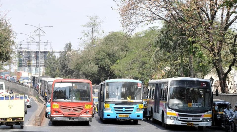 Out of the total of 2,093 buses, PMPML owns 1,440, while 653 buses are provided by private contractors