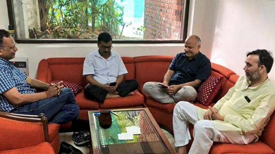 Delhi Chief Minister Arvind Kejriwal, Deputy CM Manish Sisodia, Aam Aadmi Party (AAP) leaders Satyendra Kumar Jain and Gopal Rai during a sit-in protest at Lieutenant Governor Anil Baijal's residence, in New Delhi on Sunday, June 16, 2018.