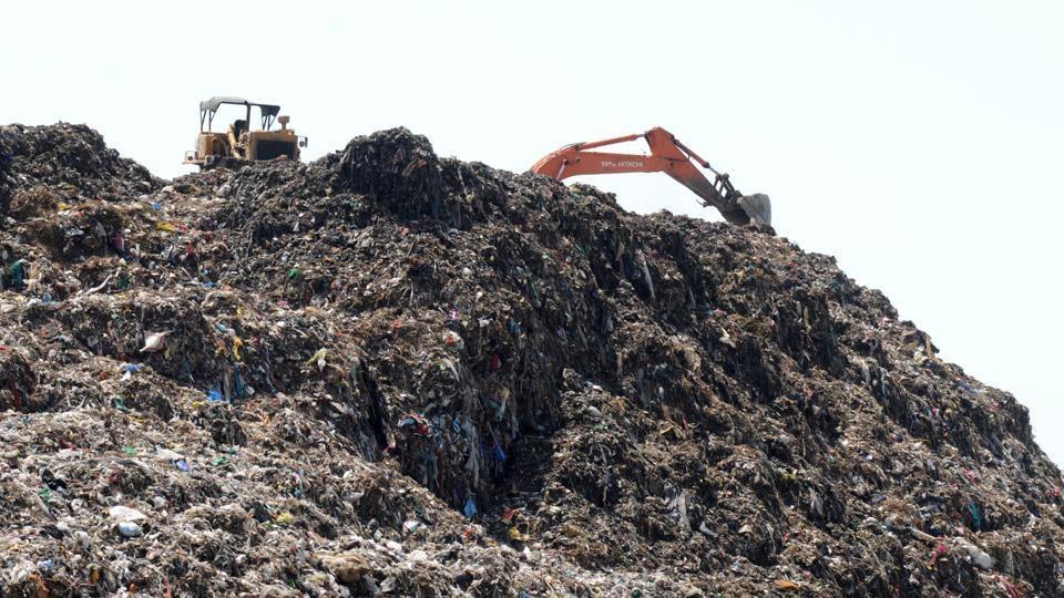 Bandhwari landfill,Gurugram,aravalli hills