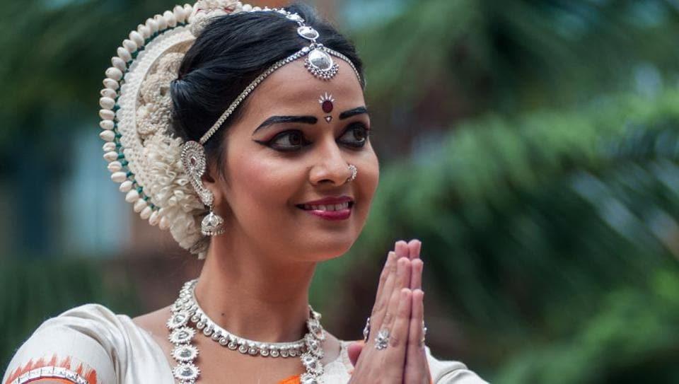 https://www.hindustantimes.com/tv/bigg-boss-2-tamil-episode-14 ...
