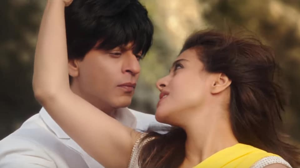 Shah Rukh Khan and Kajol in a still from Dilwale's song, Gerua.