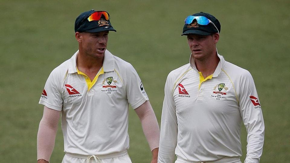 David Warner (L)and Steve Smith were both banned for a year by Cricket Australia for ball tampering.