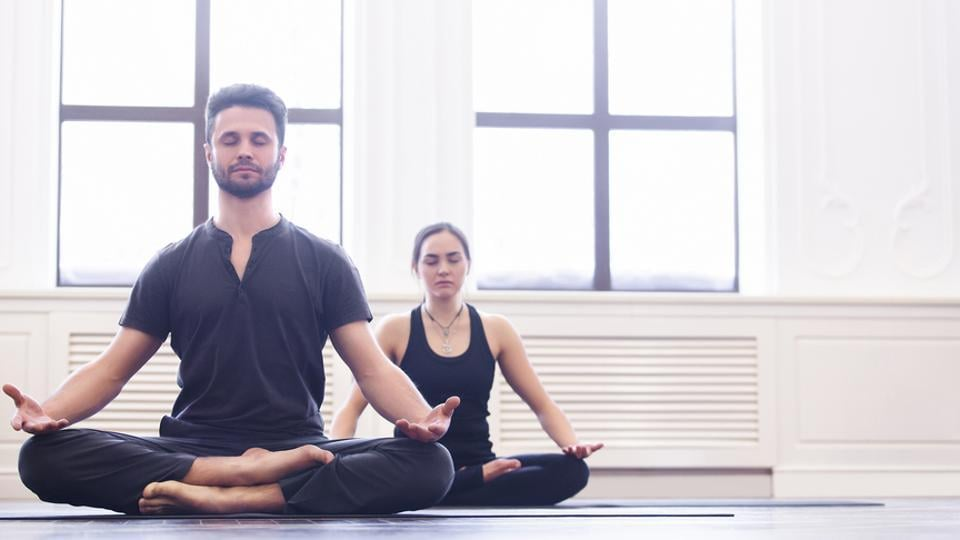 Best Yoga Asanas Fitness Experts Say These 10 Poses Every Day In The Morning Will Give You A Great Start Fitness Hindustan Times