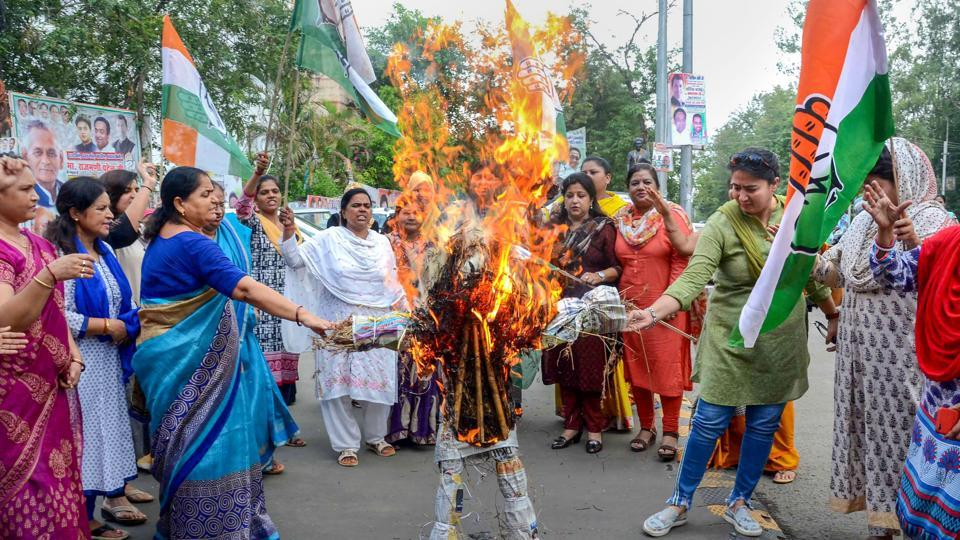 Madhya Pradesh Mahila Congress workers burn an effigy of chief minister Shivraj Singh Chouhan in protest against the rape of an eight-year-old girl who was abducted from outside her school in Mandsaur, on Friday.