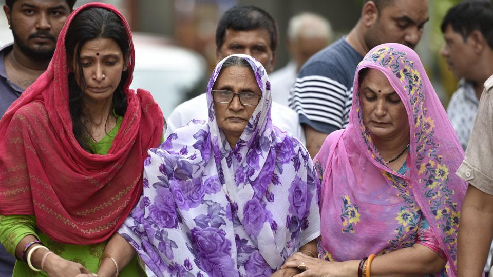 burari deaths,bodies found hanging in burari home,delhi