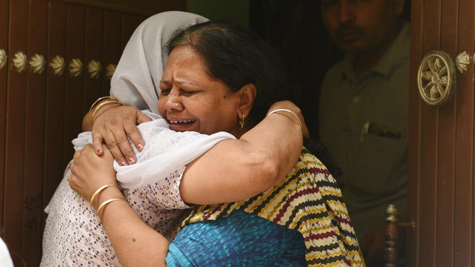 burari deaths,bodies found hanging in burari house,Delhi