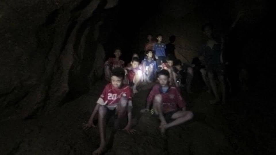 Thai cave,Football team,Evacuation