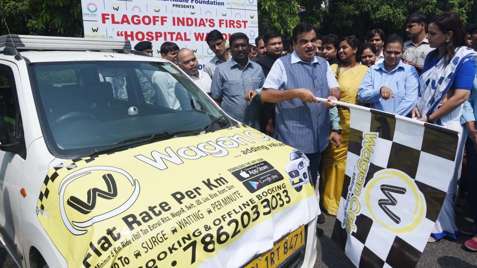 Union Minister for Road Transport & Highways, Nitin Gadkari during the launch of 'India's First Hospital Wagon' in New Delhi. The launch comes in the backdrop of India accounting for 5 lakh road crashes annually worldwide in which 1.5 lakh people die. (Vipin Kumar / HT Photo)