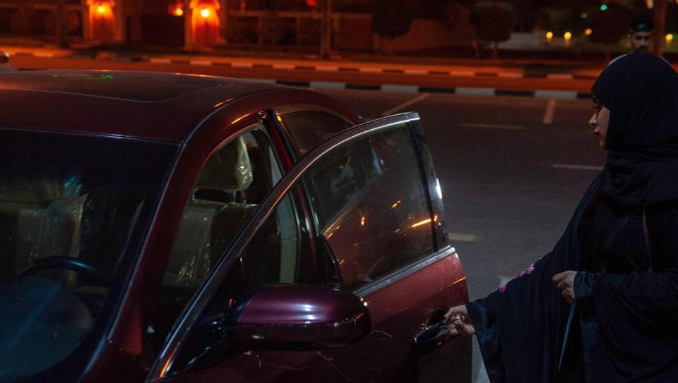 Saudi woman's car set on fire,Saudi woman drivers,Saudi Arabia